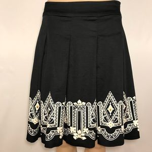 WHBM Border Print Pleated Skirt Geometric